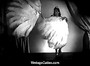 Naked Dance;Asian Dance;Naked Asian;Asian Beauty;Dance;Vintage Cuties Channel;Asian;Babes;Vintage;Small Tits;Striptease Asian Beauty Performs Naked Feather...