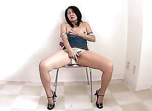 New Movies,Japan HDV Hot Japanese brunette women in a...