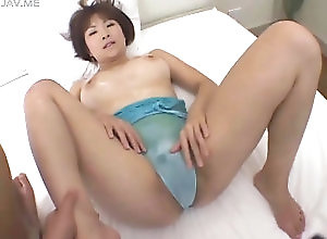 asian,brunette,japanese,masturbation her inferno hot pussy sure is amazing...